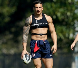 AUGUST 25, 2013: SYDNEY, NSW. Sonny Bill Williams gets ready for a Sydney Roosters team training session at Tramway Oval, Moore Park in Sydney, New South Wales. (Photo by Gregg Porteous / Newspix) Contact Email: newspix@newsltd.com.au Contact Web URL: www.newspix.com.au Contact Email: newspix@newsltd.com.au