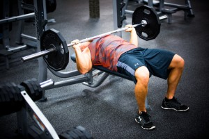 bench-press-barbell-at-la-fitness-with-derek-9