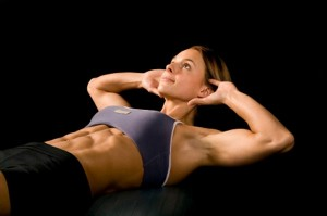 woman-performing-crunches